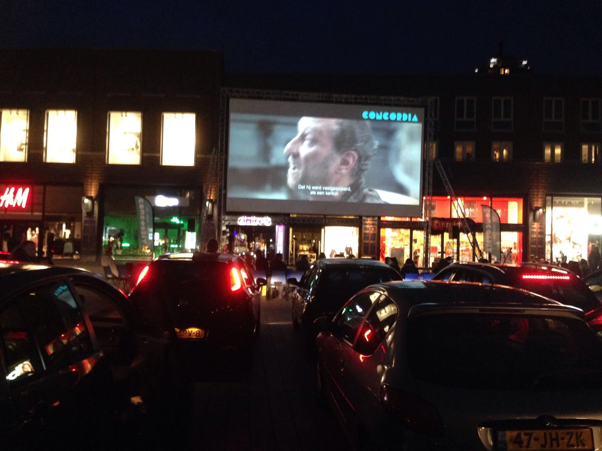 Foto s van drive in bioscoop in enschede om de komst van for Drive in bioscoop