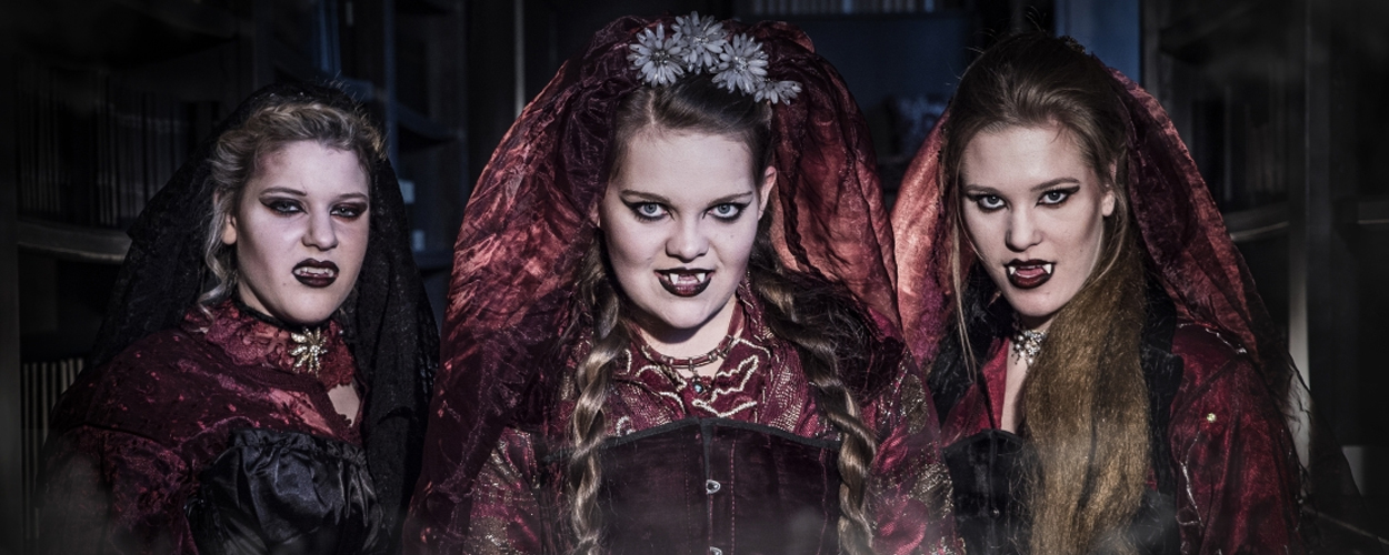 Stichting JONG! presenteert Dracula in theater De Kring in Roosendaal
