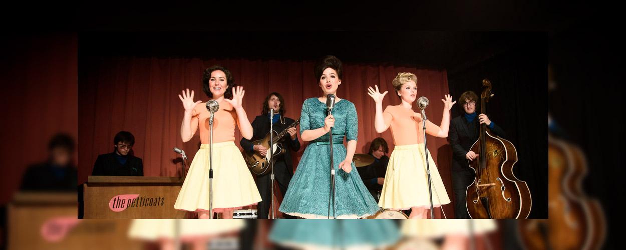 De eerste beelden van Petticoat