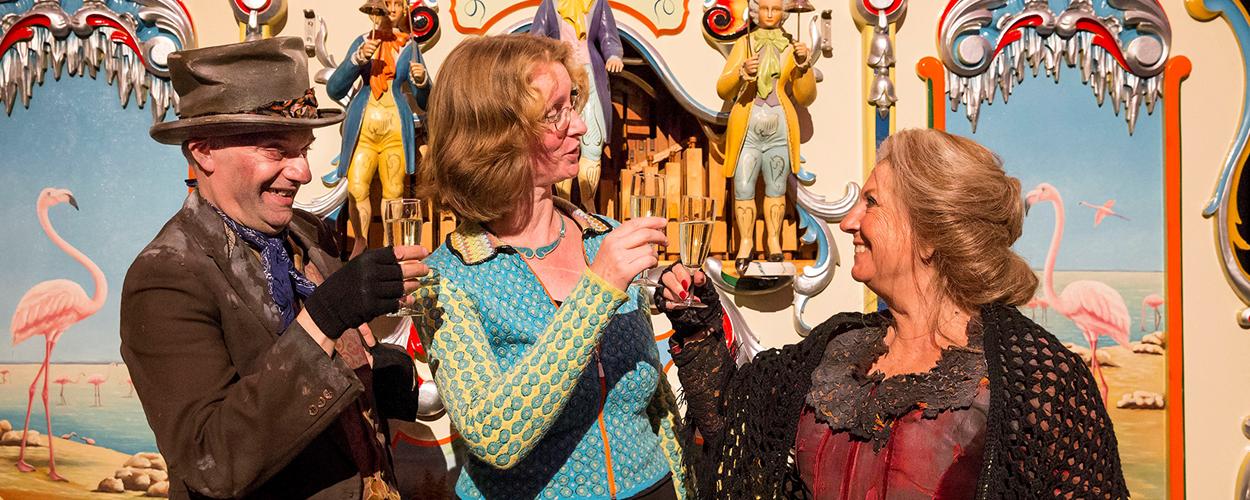 Willeke Alberti opent vernieuwde zalen in Museum Speelklok