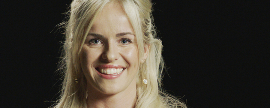 Eerste foto Josje Huisman als Belle in Vlaamse Beauty and the Beast