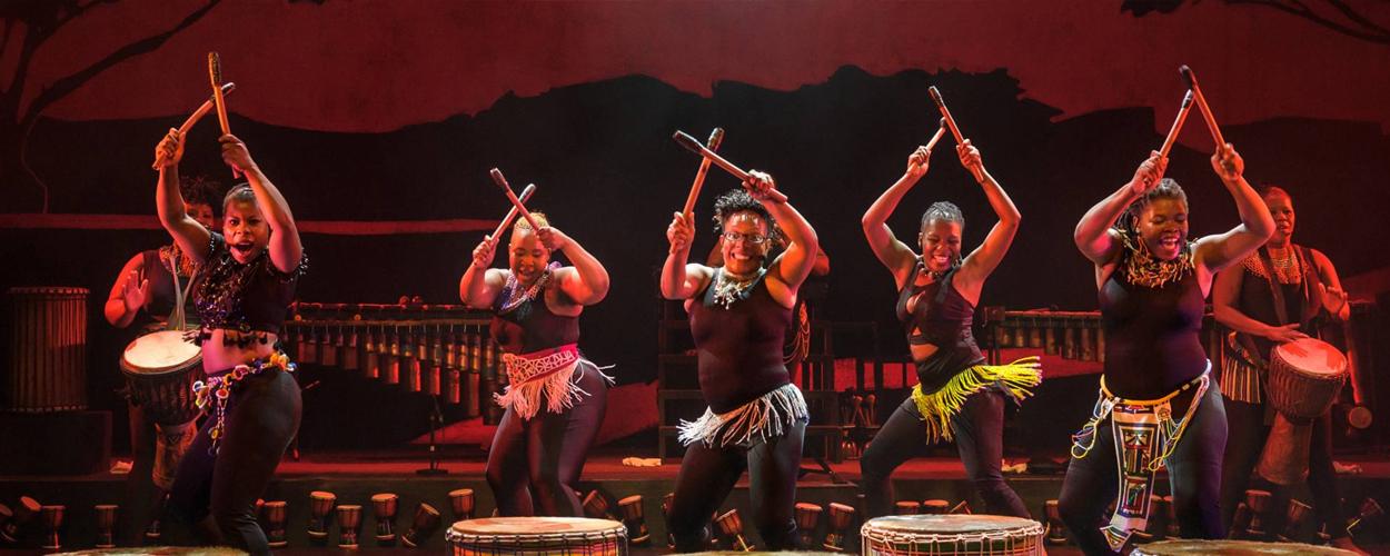 Abafazi terug in het theater met kleurrijke show African Sunset