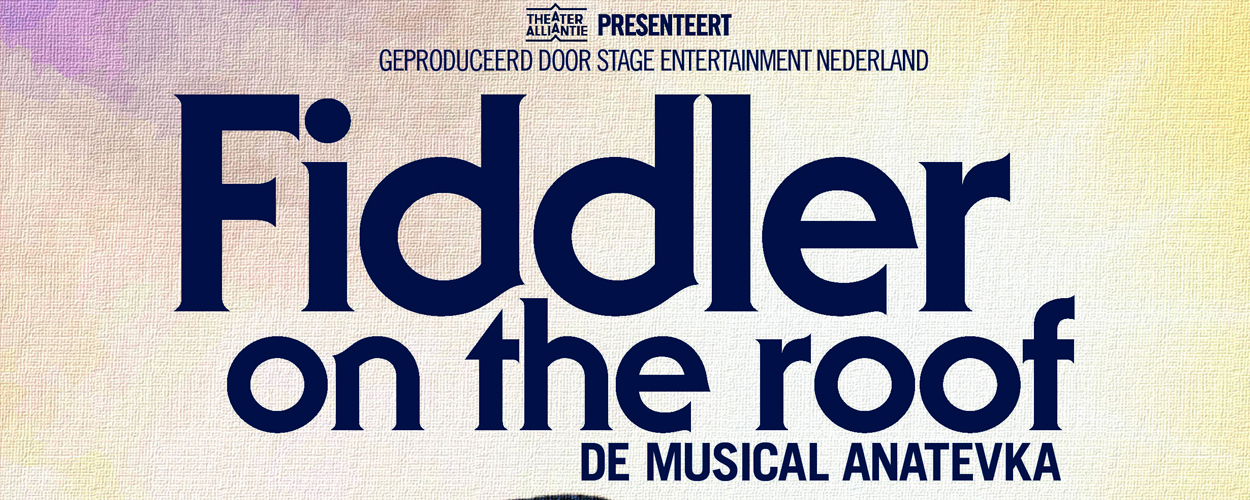 Judith Linssen, Doris Baaten en Eva van Gessel in Fiddler on the Roof