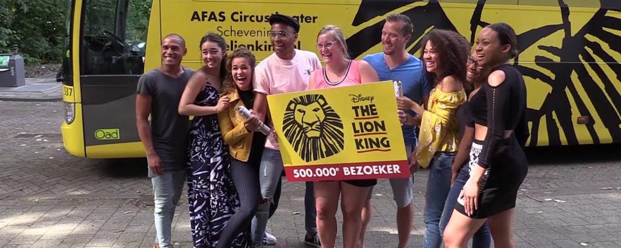 500.000e bezoeker The Lion King verrast met reis naar Broadway