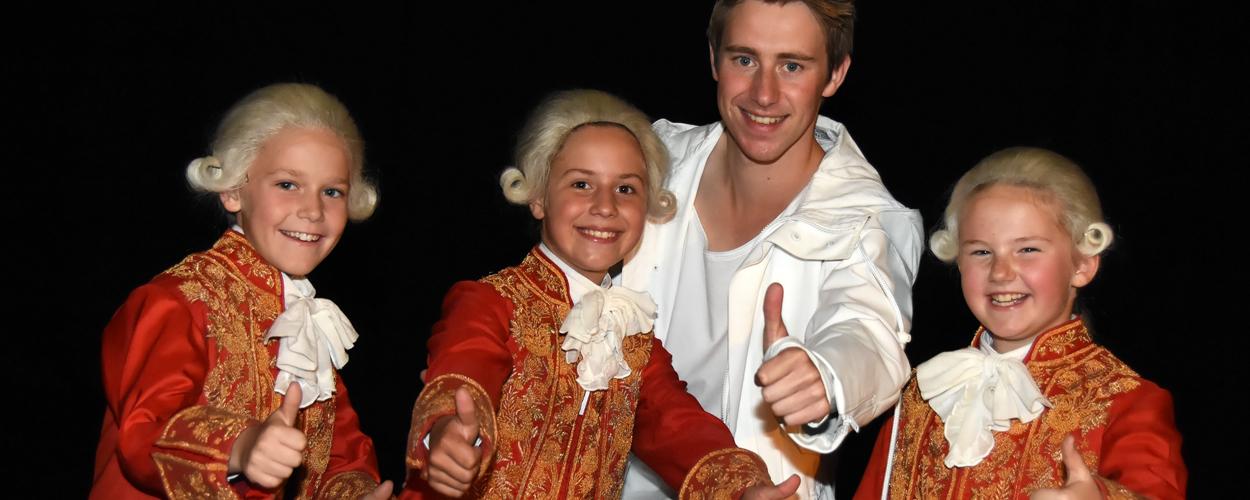 Linde Degeest (9), Anneleen Lambrecht (10) en Dries Van Cauwenbergh (9) worden Amadé in Mozart