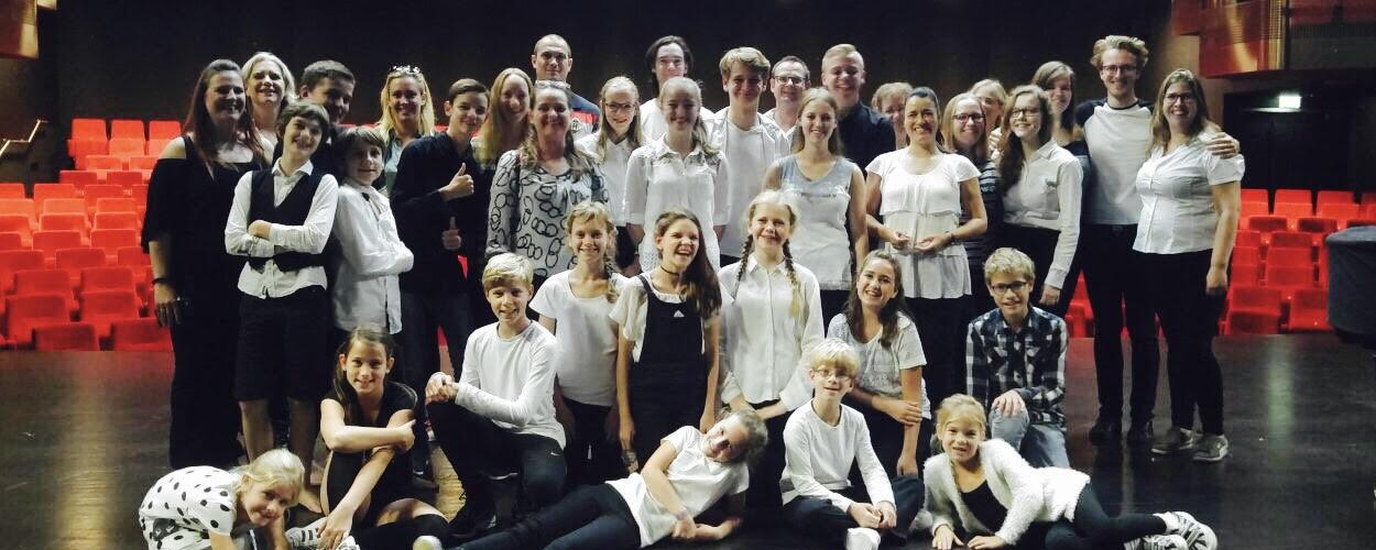 Stichting Theater in Leven & Music All Around brengen De Leeuw, de Heks en de Kleerkast