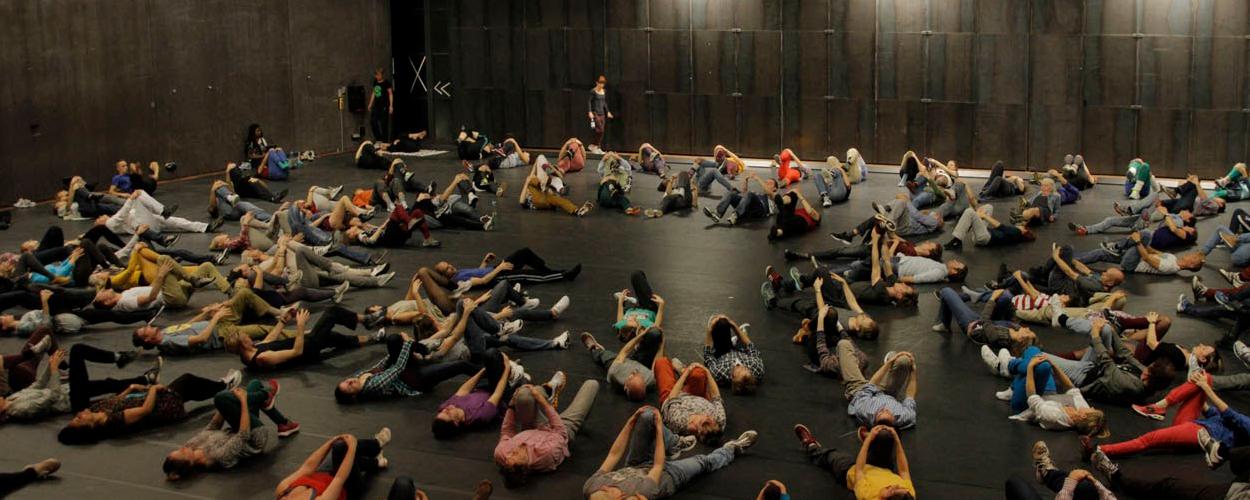 Theatergroep zoekt deelnemers voor menselijke draaikolk