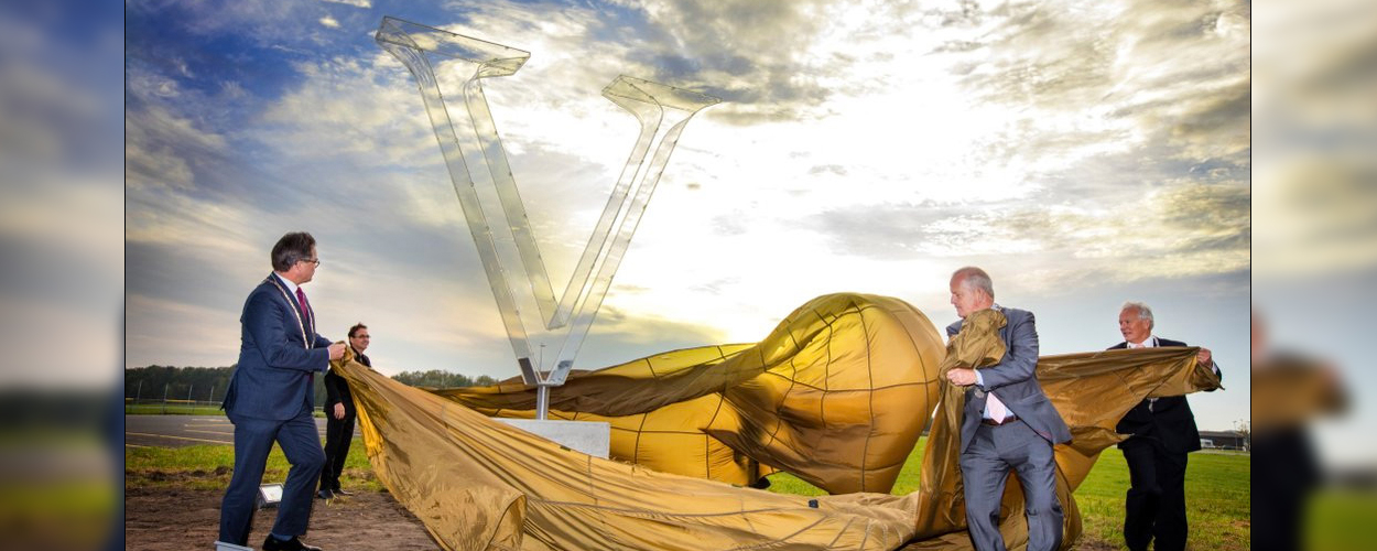Onthulling V-monument op jubileum Soldaat van Oranje