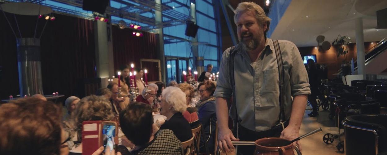 Fiddler familie serveert 100x kippensoep