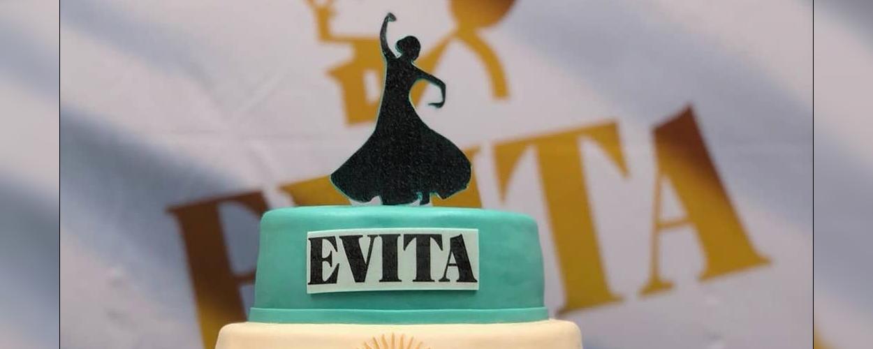Repetities voor Evita begonnen met aansnijden taart
