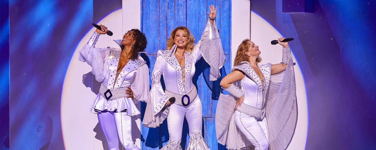 Eerste scenefoto's van Mamma Mia!