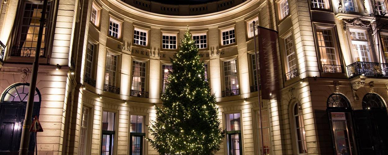 Het Nationale Theater pakt uit met Kerst: arrenslee én megakerstboom