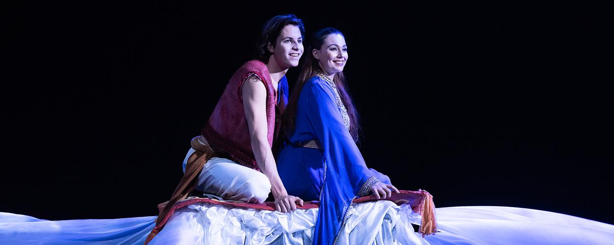 Scenefoto's en Trailer van Aladdin van Theater Terra
