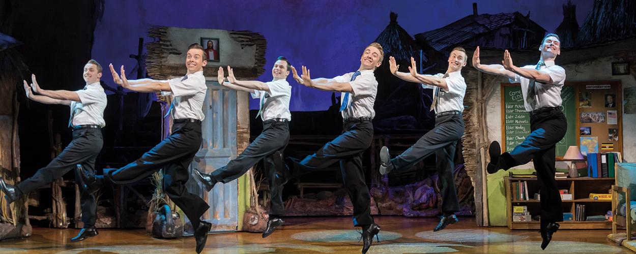 Recensie: The Book of Mormon is een absurde en steengoede musical (5 sterren)