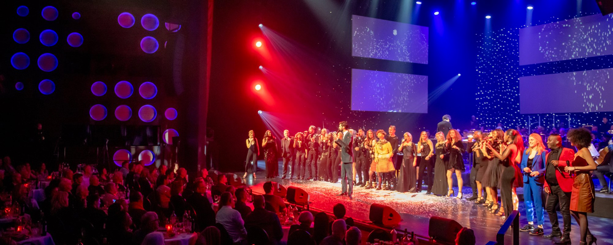Do en Jim van der Zee in eerste lustrum van The Christmas Night in Enschede