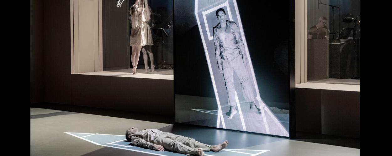 Scenefoto's van David Bowie's Lazarus