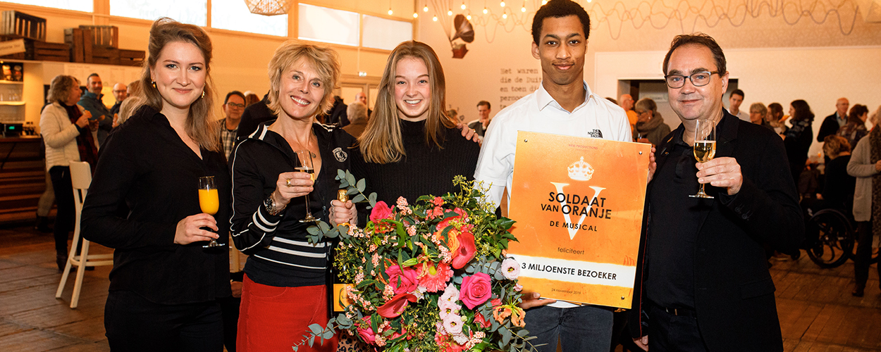 Soldaat van Oranje ontvangt 3 miljoenste bezoeker