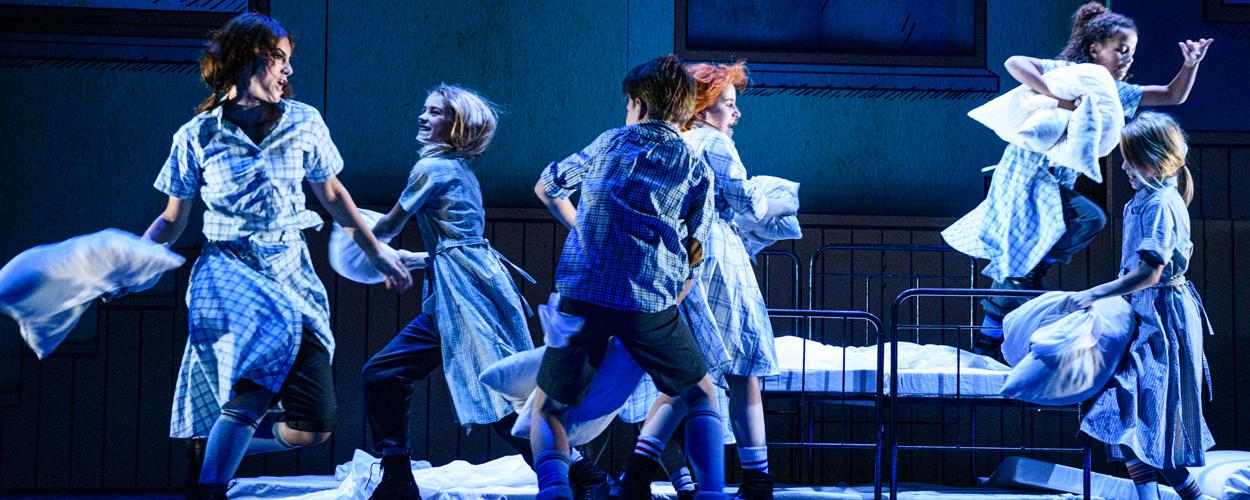 Scenefoto's van Annie de Musical