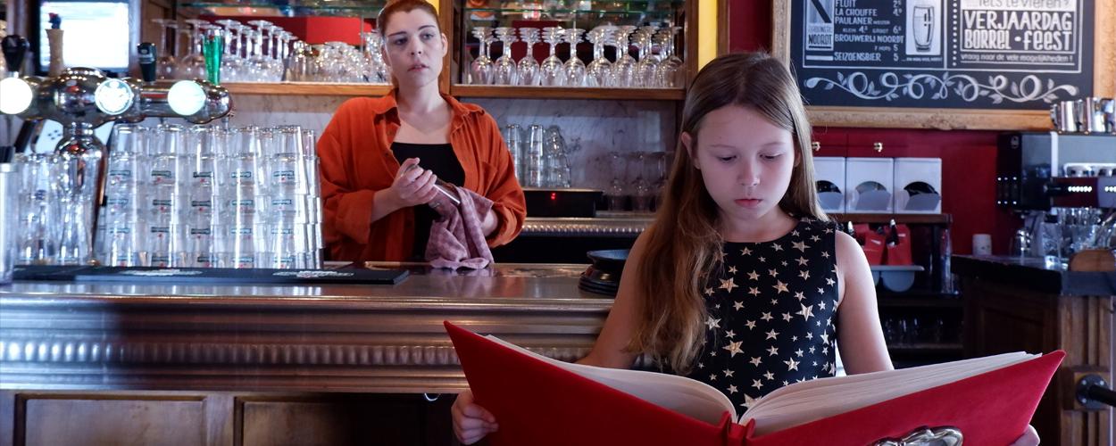 Theatergroep Mangrove presenteert de voorstelling Geen Kerstsprookje