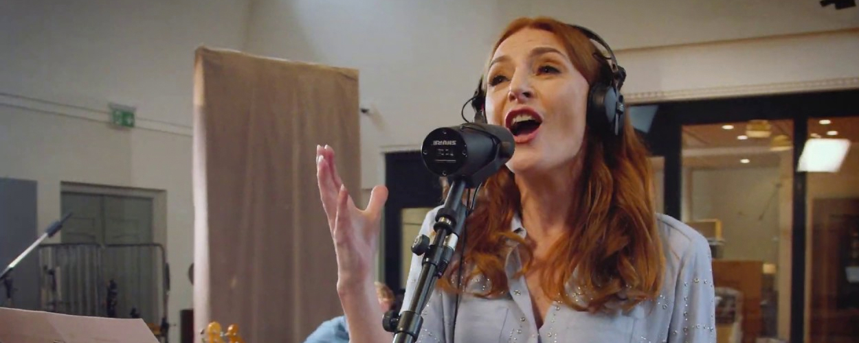 Willemijn Verkaik zingt She Used To Be Mine uit Waitress