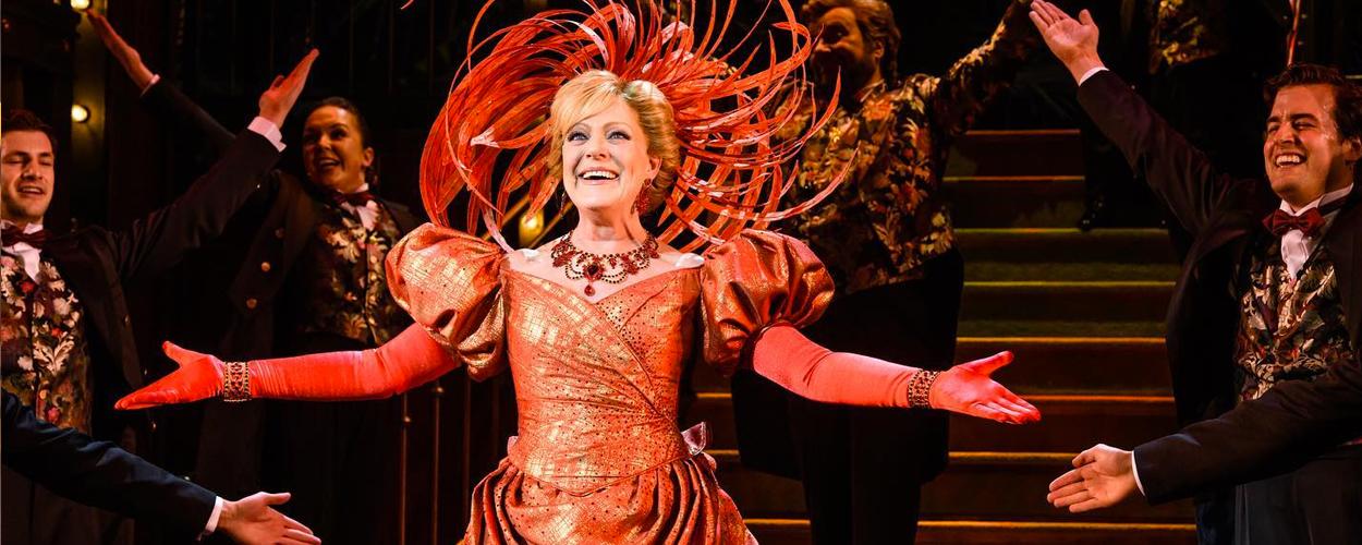 Recensie: Hello Dolly – een tijdloze en prachtige klassieker (5 sterren)