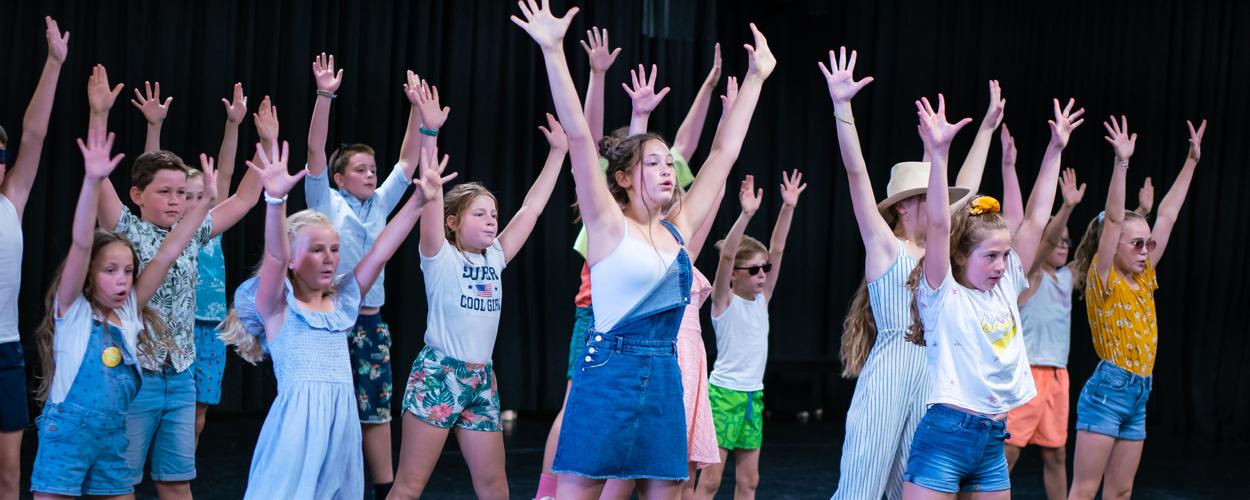 Bijna 300 jongeren namen 9 weken deel aan vakantiekampen van The Musical Academy