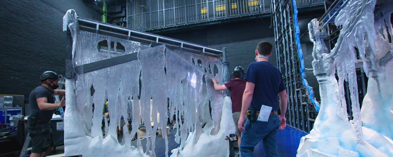 Video: Het opbouwen van het decor van Frozen de Musical op West End